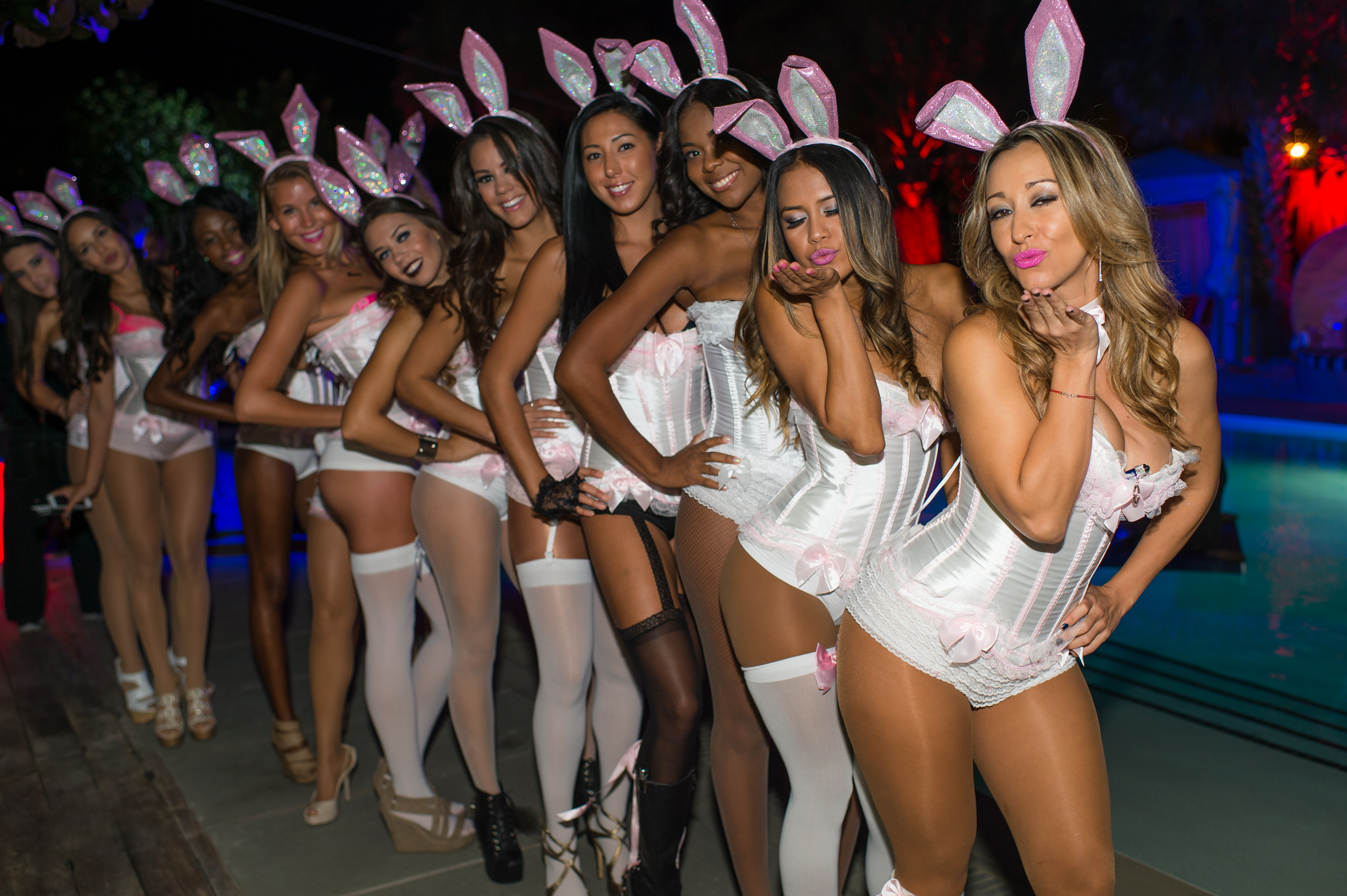 dating events in miami halloween weekend