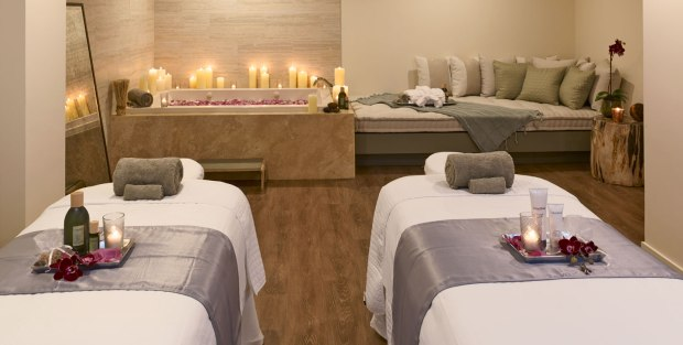 spa-and-massage-in-shelborne-wyndham-grand-miami-beach-hotel-top